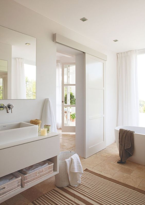 Reformar el baño con puerta corredera