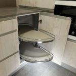 Reformar la cocina: cacerolero en esquina