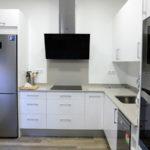 Reforma integral piso alquiler con cocina en L