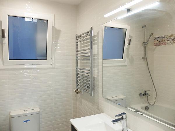 Reforma integral de piso de 90m2 - baño con bañera